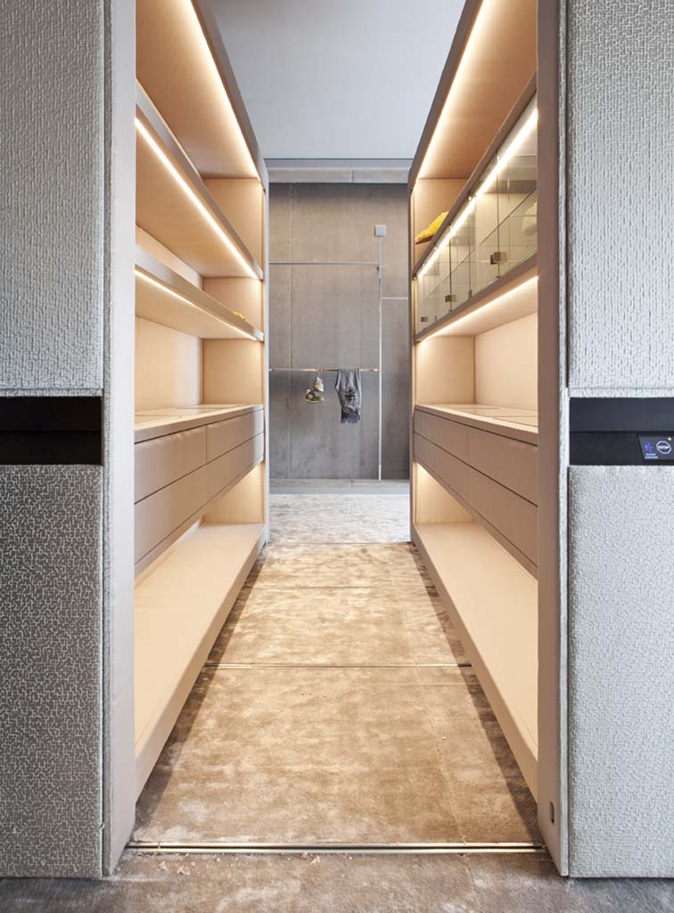 Automated Dressing Room Design