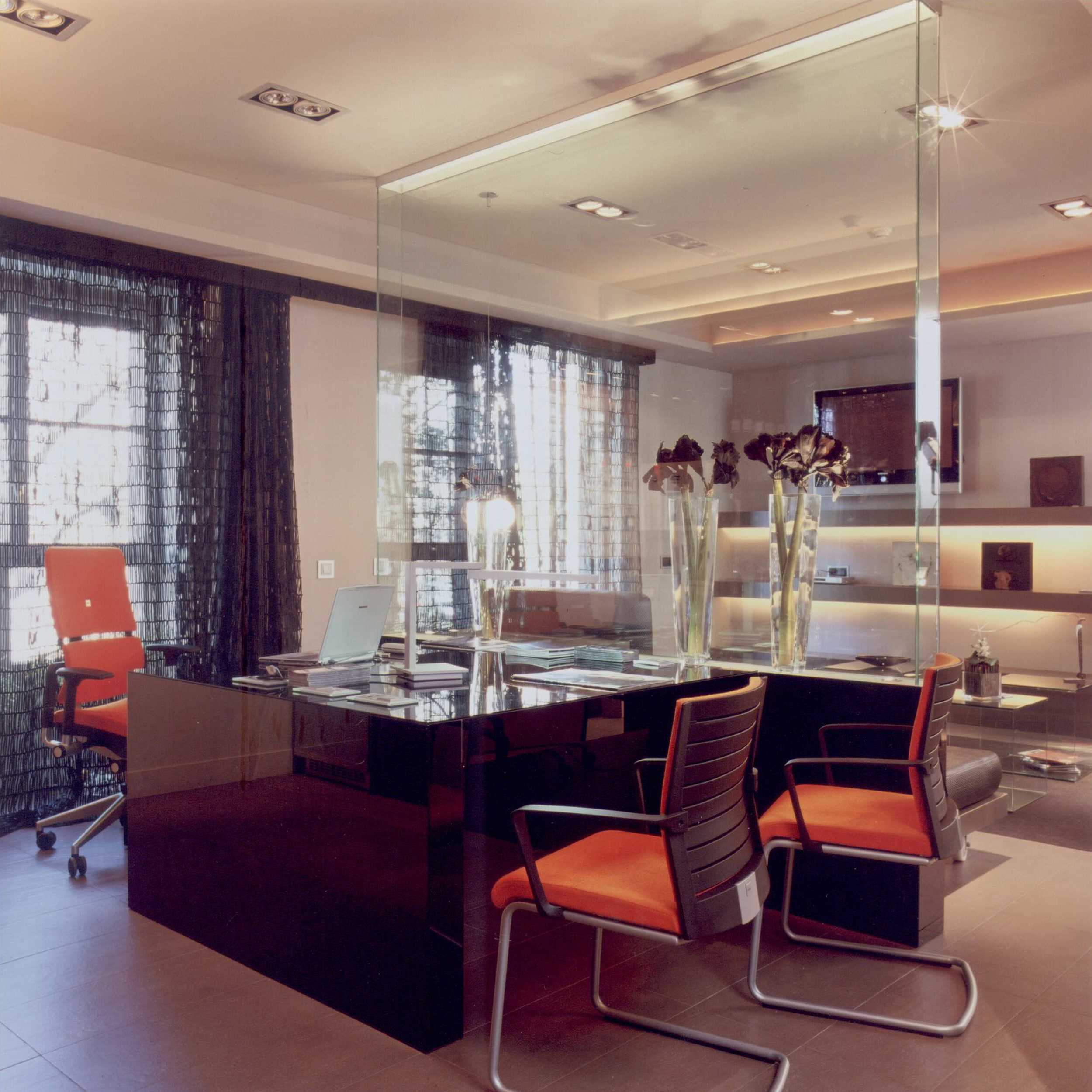 Office Interior Design Project In Casadecor To Test New Exclusive Furniture For Offices Large Companies Worldwide Using The Crystal Break With